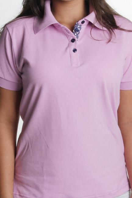confecção de camisa rosa polo feminina com bordado 8155d40932004